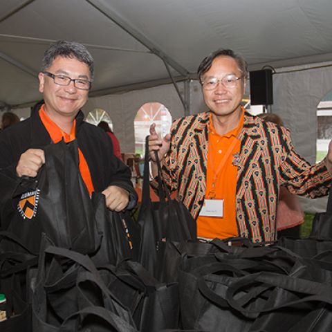 Two Princeton alumni volunteering