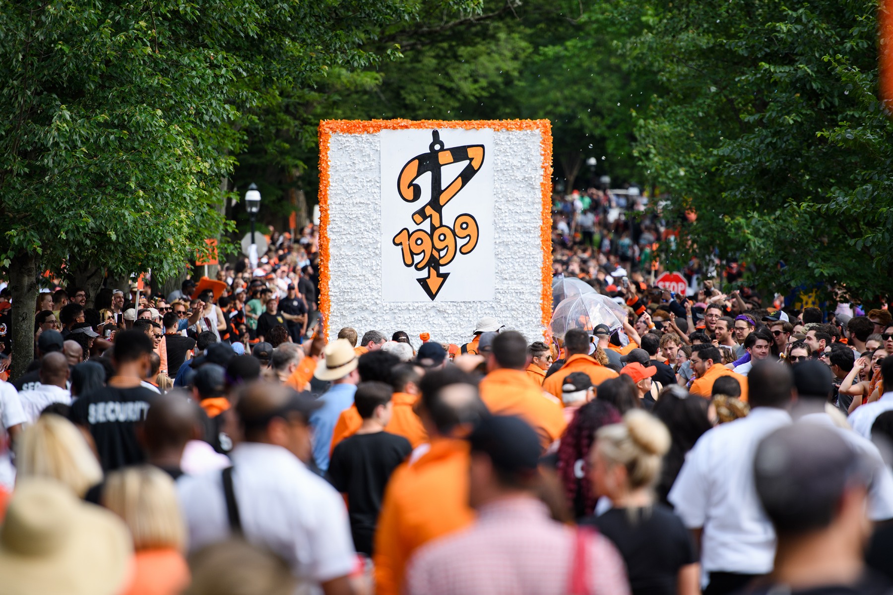 Reunions P-Rade and Class of 1999 sign